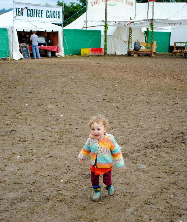 FUN IN THE MUD: The mud is sometimes quite an opportunity for certain festival goers... PICTURE: Paul Jones