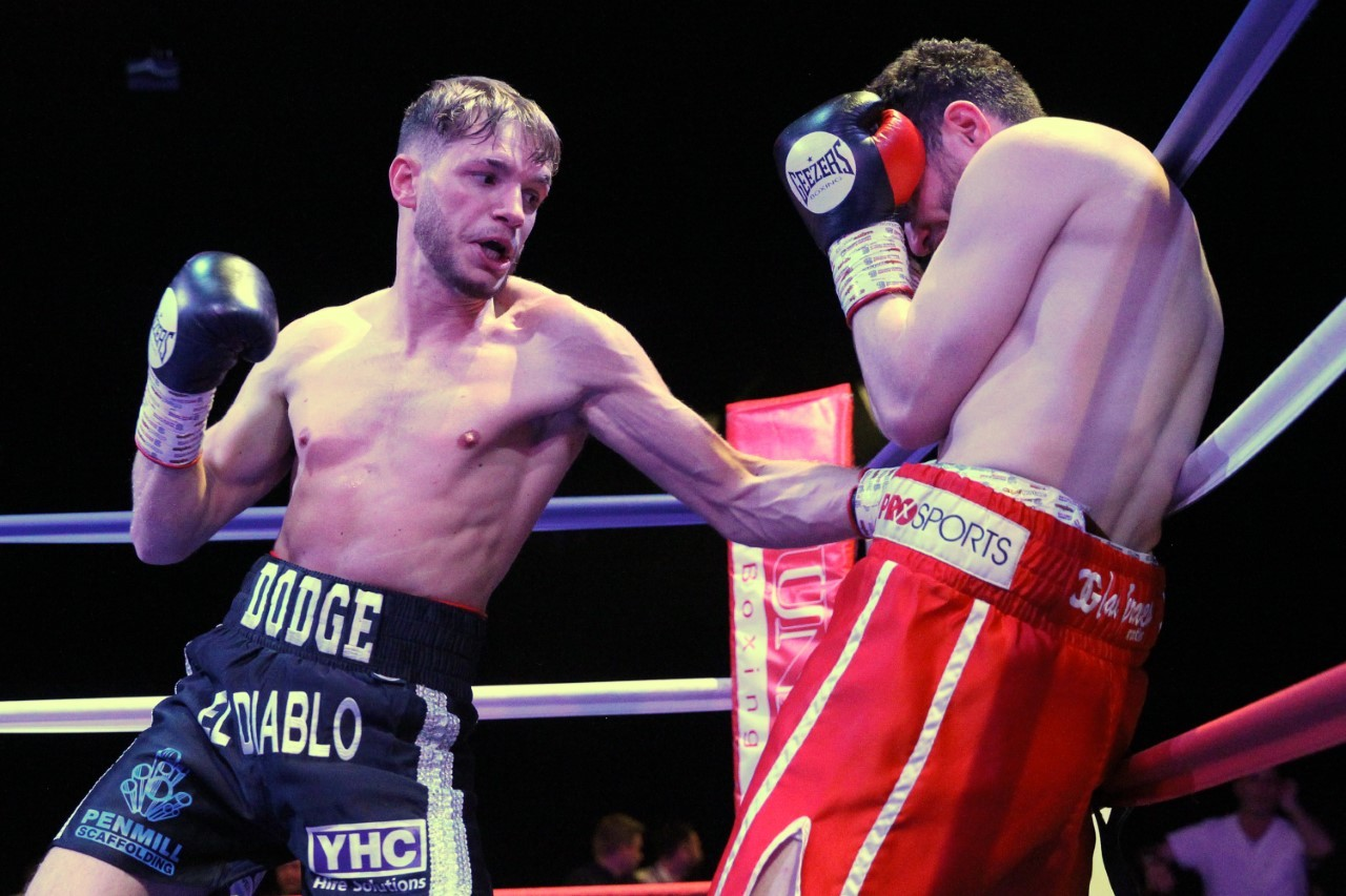 Wellsprings Leisure Centre to host Taunton's first professional boxing show since 1994