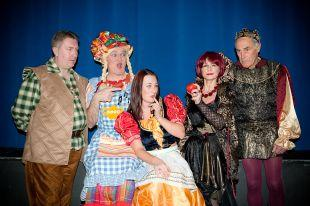 Wellington Pantomime Society Snow White