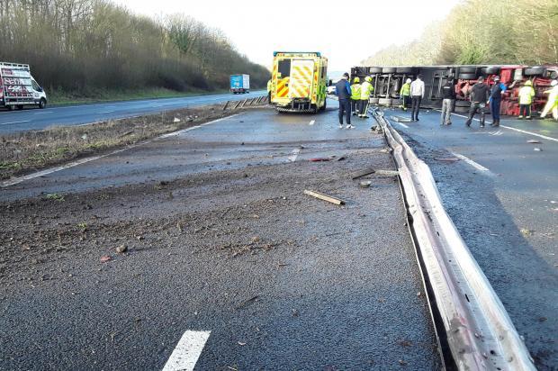 Somerset County Gazette: SCENE: Crash on the M5 motorway. Pic: Highways England