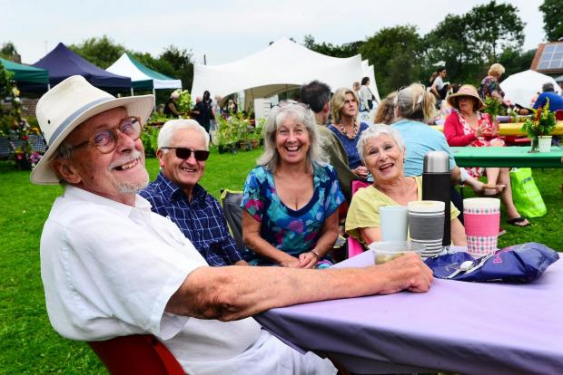 Somerset County Gazette: DRINKS: Malcolm and Sylvia Drakes with John and Many Rossiter