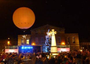 Thousands enjoy Christmas lights switch-on