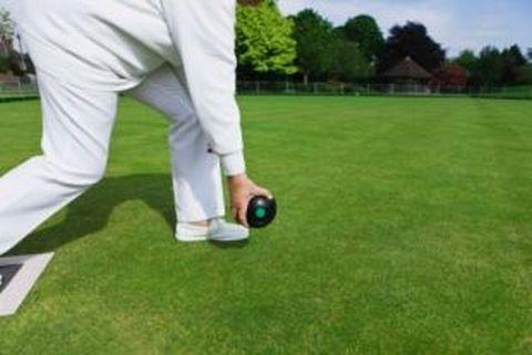 BOWLS: Old Codgers make to work