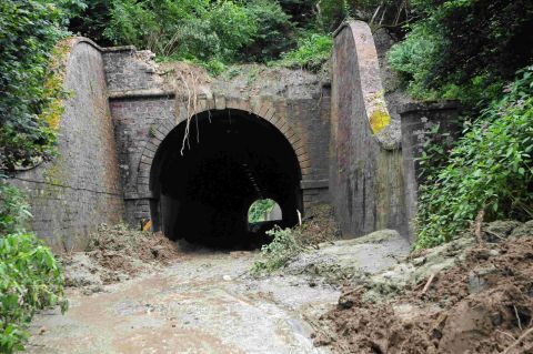 Beaminster Tunnel deaths an accident, says coroner