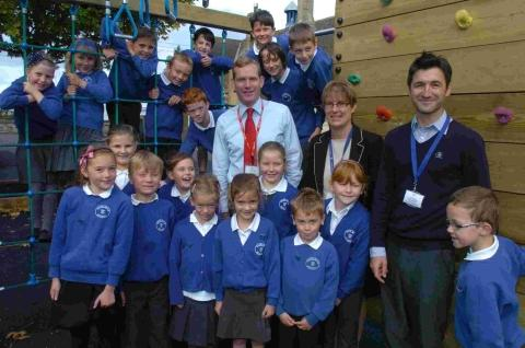 Head teacher Heather Barraclough, teacher Steve Gillan and pupils meet MP Jeremy Browne