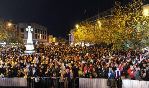 Thousands turn up for Taunton Christmas lights switch-on