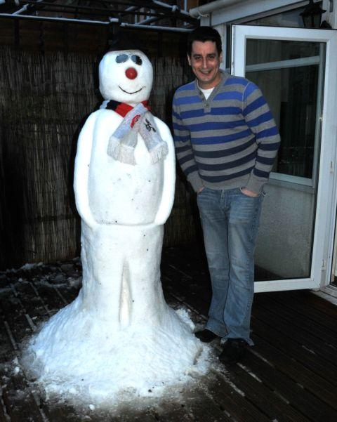 Somerset County Gazette: Daniel Searle with Snowy in Bridgwater, Somerset. January 23, 2013.
