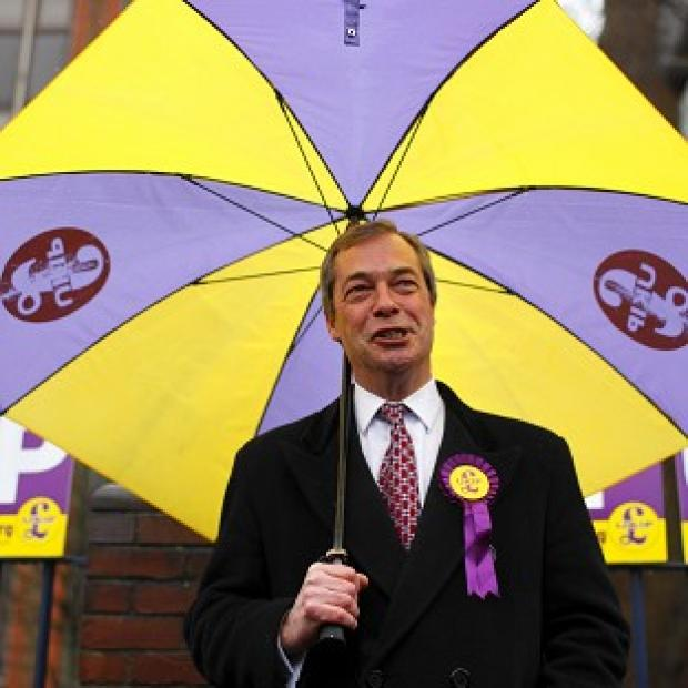 UKIP leader Nigel Farage says the public are angry with the failure of the three main parties on key issues