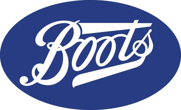Somerset County Gazette: Elizabeth Arend make up evening for charity at Boots