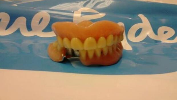 Somerset County Gazette: Dentures found in shoes at charity store