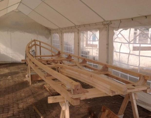 Somerset County Gazette: THE Currach, a Celtic Longboat which is being built in Minehead this week is starting to take shape. PHOTO: Stephen Hooper.