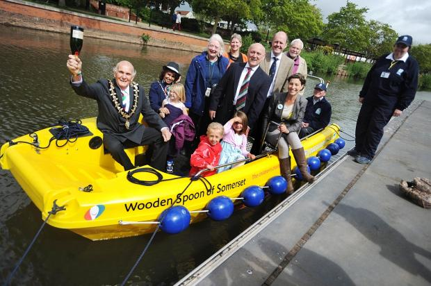 Wooden Spoon donates boat for disadvantaged Taunton youngsters