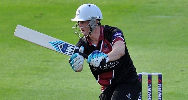 Somerset County Gazette: Craig Kieswetter signs new contract at Somerset