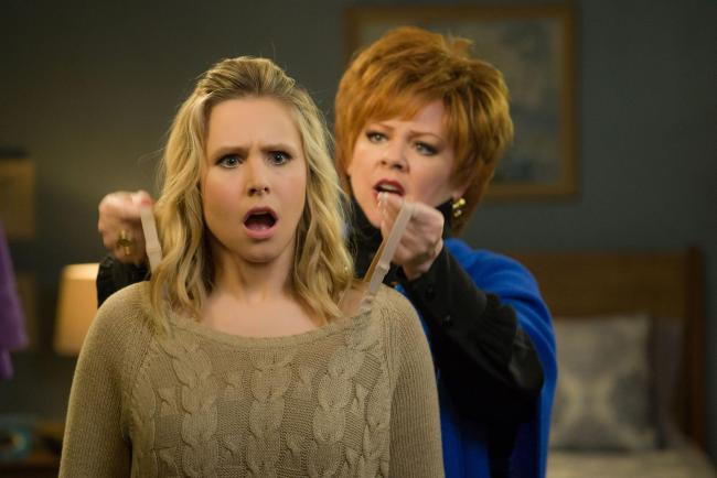 UPLIFTING FUN: Kristen Bell as Claire Rawlings and Melissa McCarthy as Michelle Darnell get it off their chest.