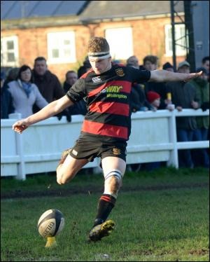 Somerset County Gazette: SPORT: Welly hold on for Boxing Day win over Wivey - pictures