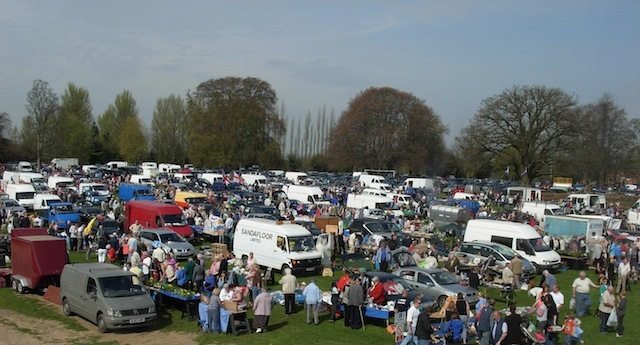Taunton Racecourse Carboot back for business