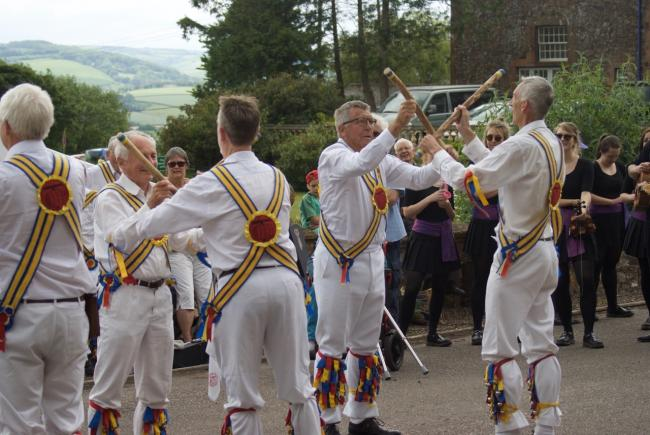 Morris dancers raise £500 for cancer charity