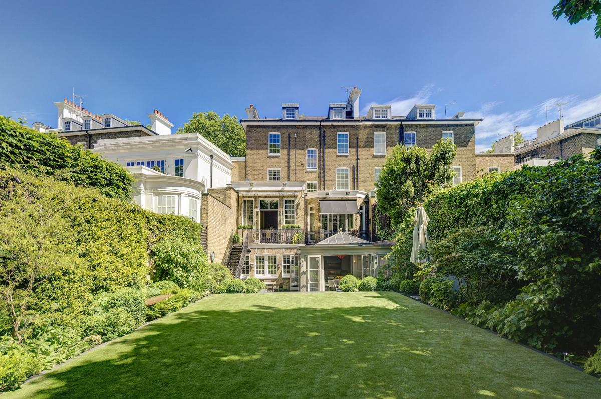 Central London Mansion Sells For GBP40 MILLION