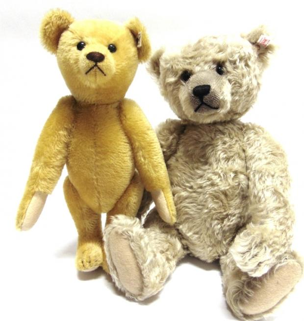 Somerset County Gazette: MAD ABOUT THE BEAR: This appealing duo were among a collection of Steiff bears which together were bought for £3,850.