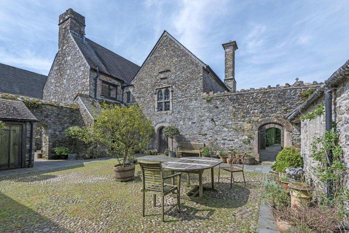Pleasant Family Manor Of Sir Walter Raleigh For Sale In South Devon Home Interior And Landscaping Eliaenasavecom