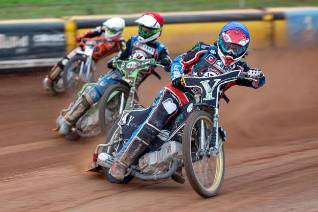 NEW BOY: Rory Schlein (back) taking on Somerset Rebels riders Richard Lawson and Charles Wright. Pic: Colin Burnett.