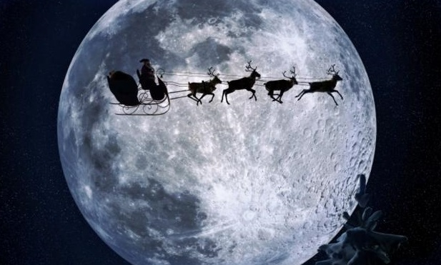 WALKING IN THE AIR...: Santa is heading for Somerset... Sort of