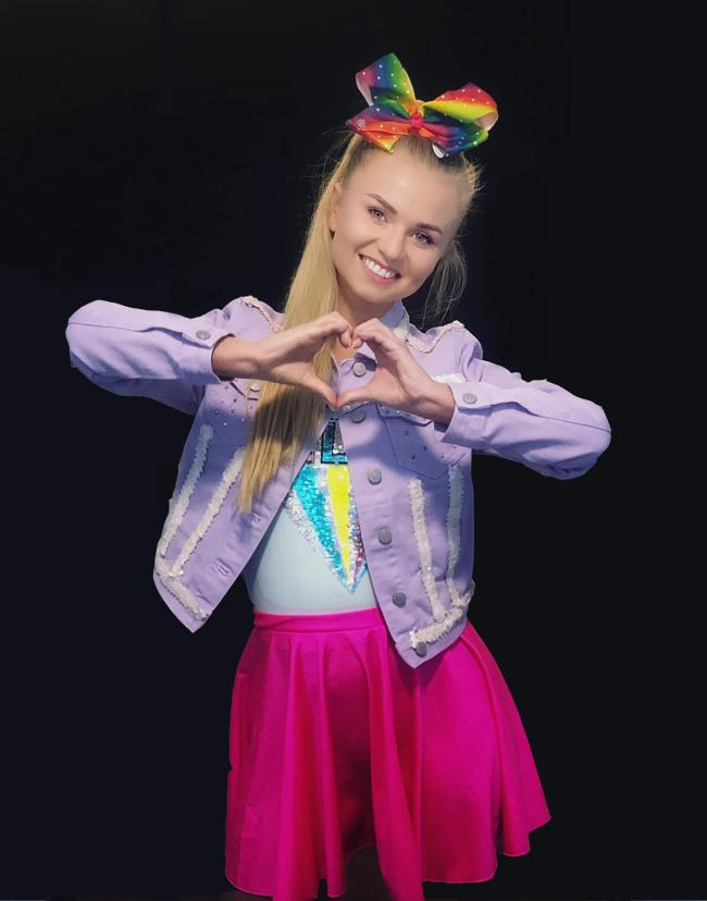 TRIBUTE: Xenna Kristian plays JoJo Siwa in the Bows and Bunny Ears Tour